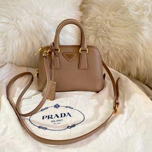 💯 Authentic Prada Saffiano crossbody bag